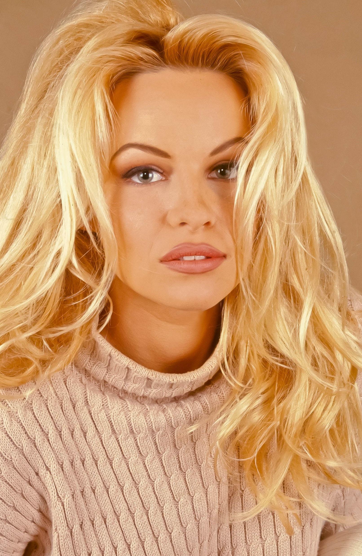 Сеновале фото порно актрисы выбирают актеров самое лучшее