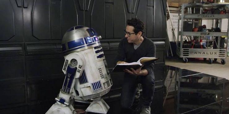 Disney перенесла насемь месяцев премьеруIX эпизода «Звездных войн»