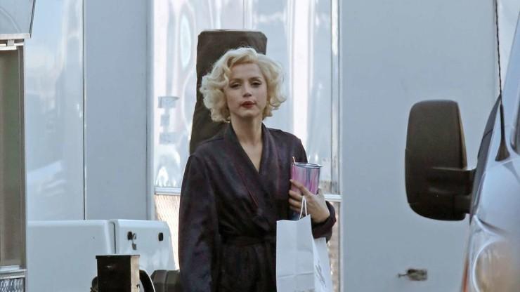 Найдите десять отличий: первый взгляд на Ану де Армас в роли Мерилин Монро
