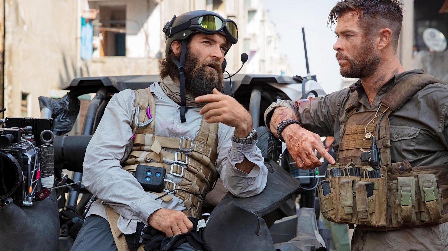 """Режиссёр """"Эвакуации 2"""" с Крисом Хемсвортом обещает поднять планку экшена на новую высоту"""